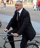 po1t_amsterdam_bicycle_suit